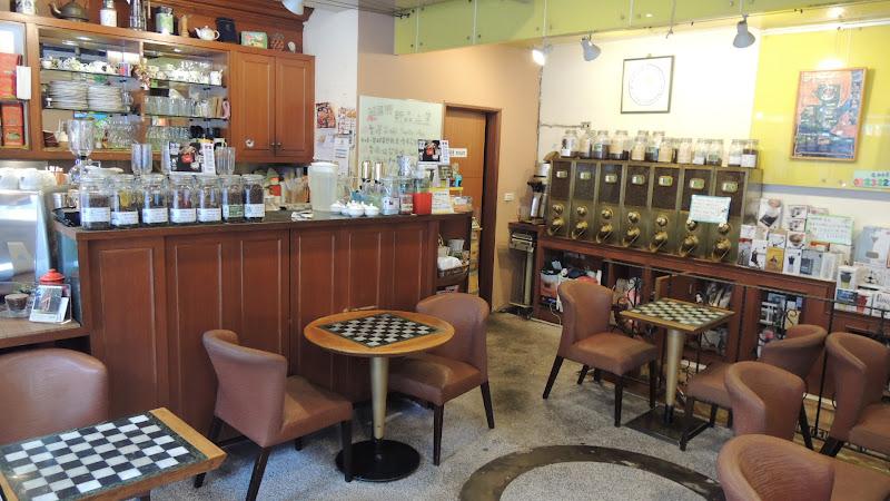 烘焙者咖啡主要座位區.JPG