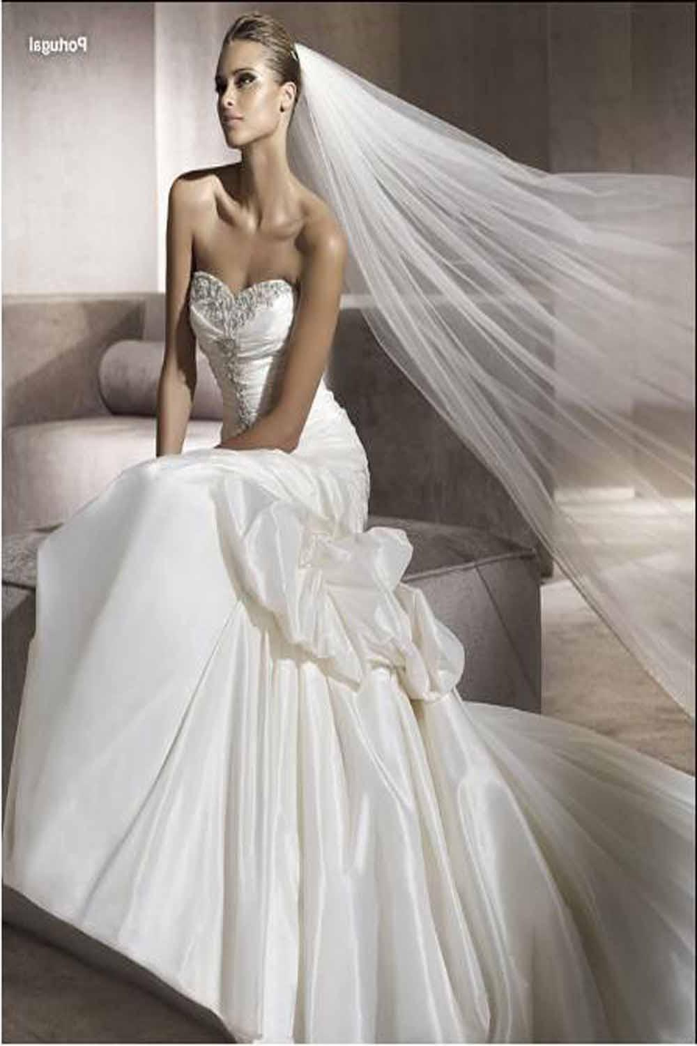 Ball-Gowns-Wedding-Dresses-