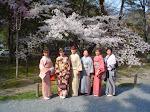 Japonki wtradycyjnych kimonach.