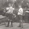 Piet en Fred Serné op de Sloterkade te Amsterdam (ca. 1929)