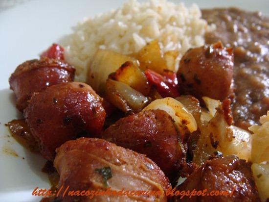 linguiça-com-cebola,-tomate-e-pimentão