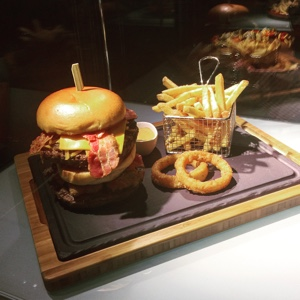 TGI Fridays warrior burger