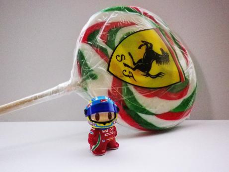 фигурка Фернандо Алонсо и леденец Ferrari от naokonen