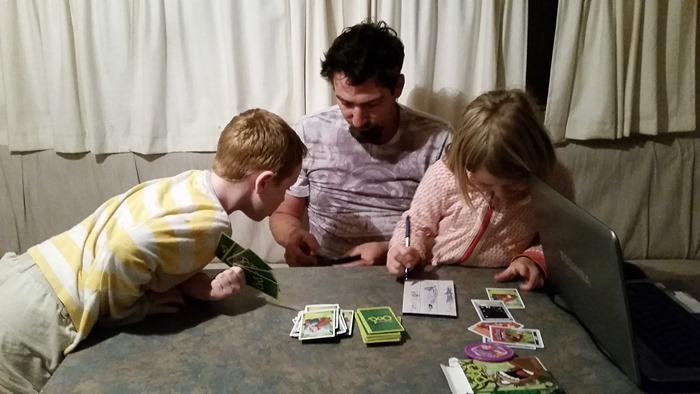 virtù - evenings playing card games