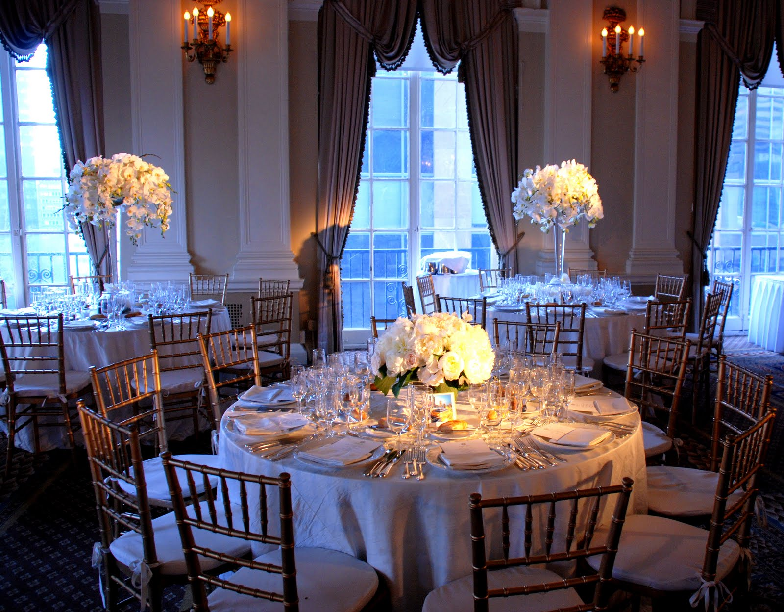 Tall centerpieces seem to have