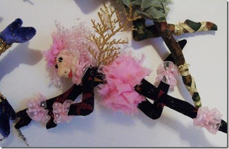 pinkblackclose
