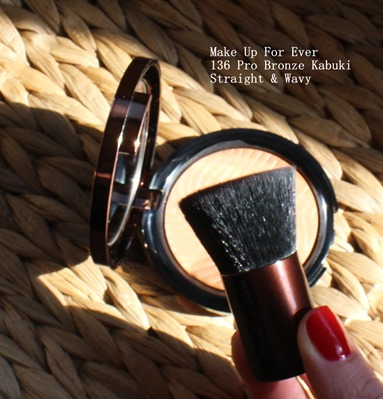 MakeupForEver-MUFE-135-Pro-Bronze-Kabuki-Brush-Straight Wavy