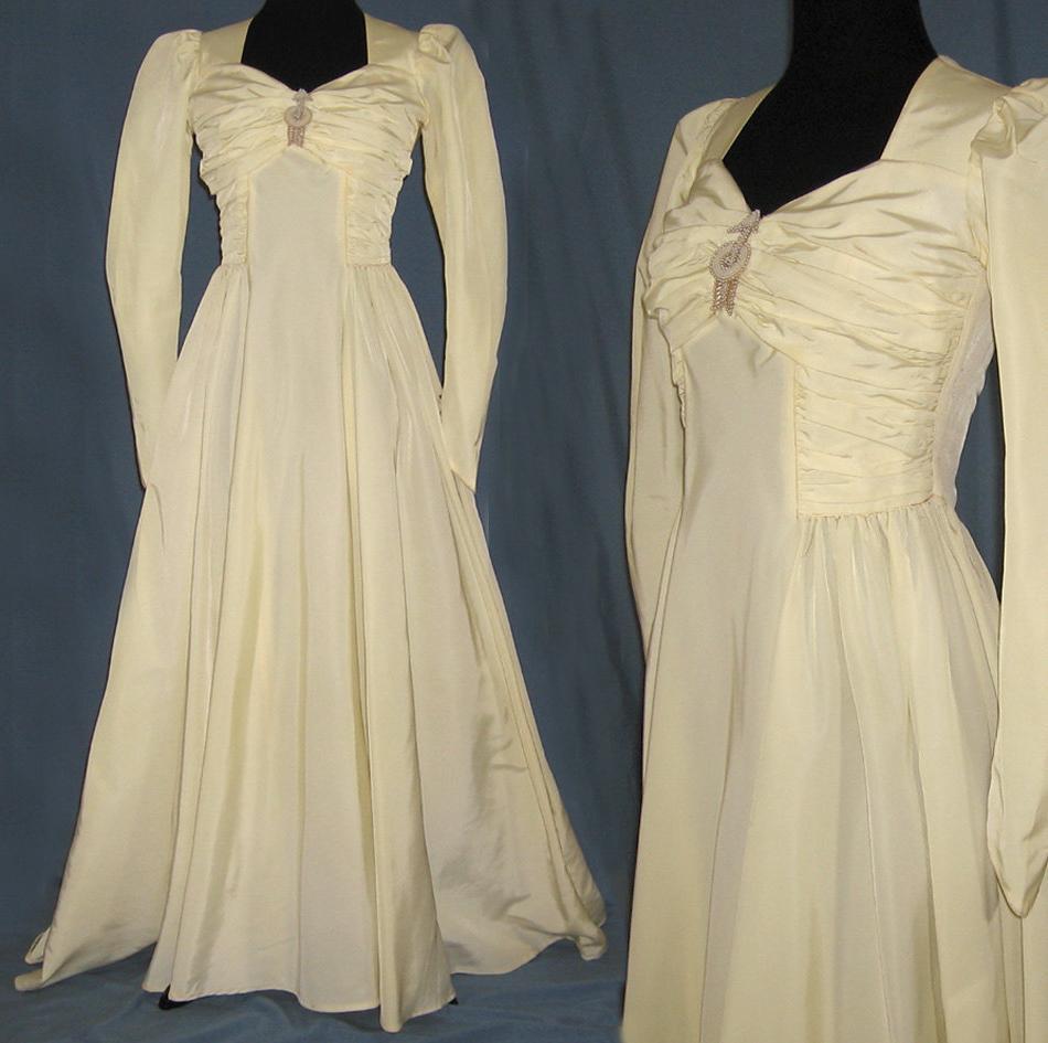Vintage Wedding Dress - Taffeta - Full Bias Skirt - 1940s - XS-S