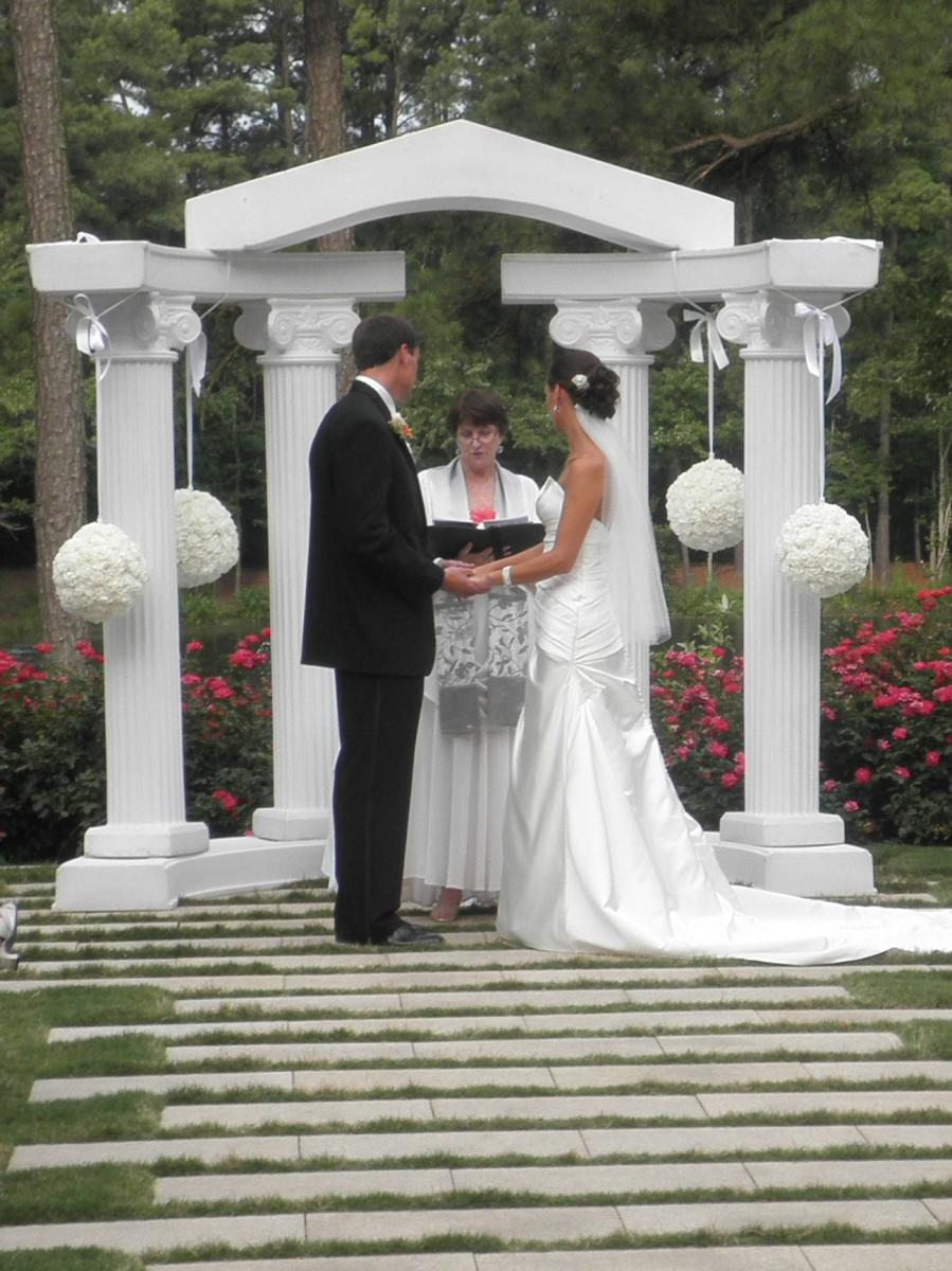 Emelins Blog Wedding Columns Decorations