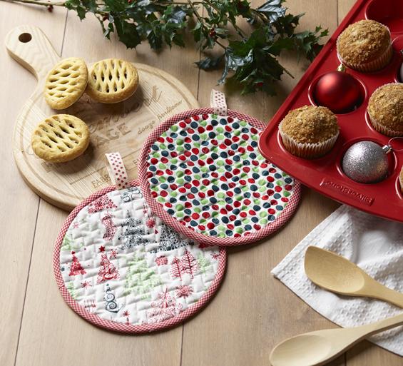 Anorina Pattern - Christmas Oven Mits