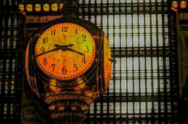 Public domain picture of a clock.