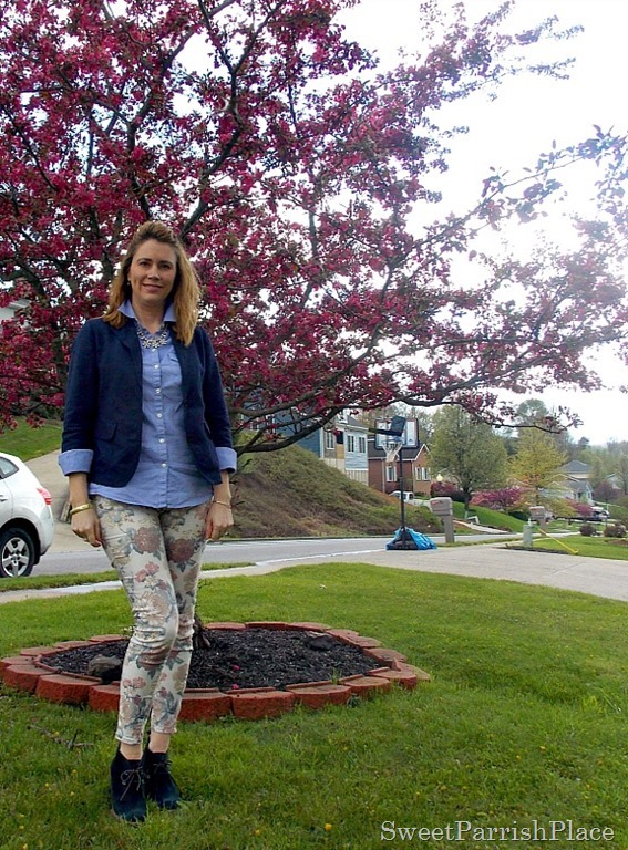 Floral jeans, blue button down, navy blazer, navy booties1