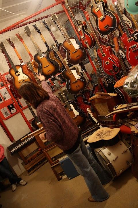 gitarove_muzeum_michalovce_13.jpg