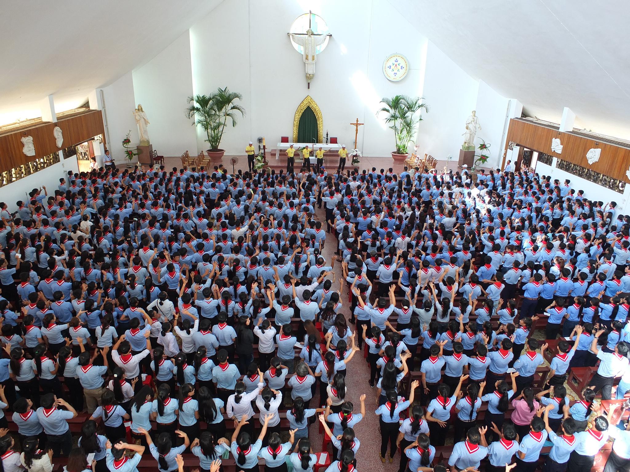 Hàng ngàn Giáo Lý Viên GP Bà Rịa về mừng bổn mạng