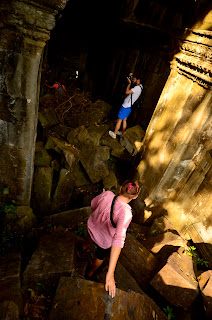Zwiedzanie kupy kamiennych bloków nie jest łatwe, ale tylko tu czuć atmosferę zrujnowanych budowli.