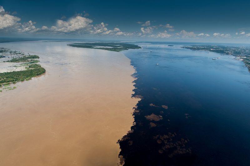 meeting-of-waters-manaus-2