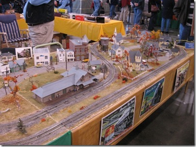 IMG_0895 S-Scale Oregon State Capitol Holidays Layout at the WGH Show in Puyallup, Washington on November 21, 2009