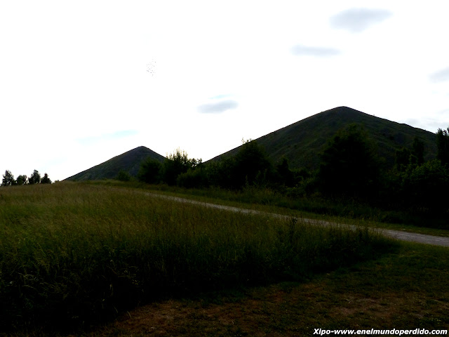 montañas-de-mineral.JPG