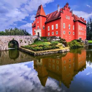 Red-castle Bohemia.jpg