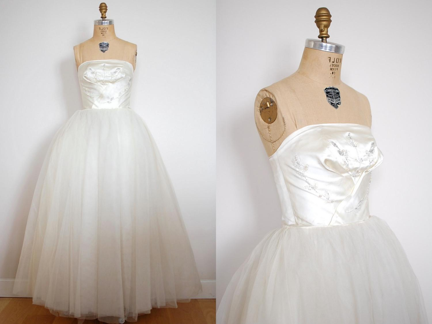 vintage 1950s The Love Flower Wedding Dress  50s . From 13bees