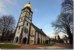 56-196661-800px-hundertwasser-church