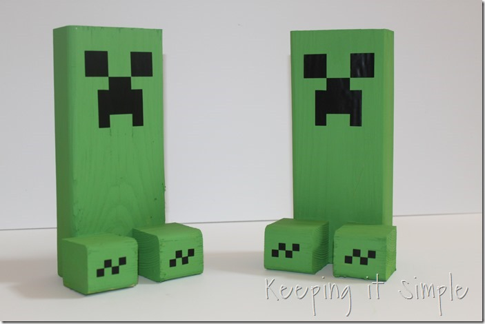 Easy-DIY-Minecraft-Creeper-Book-Ends (7)