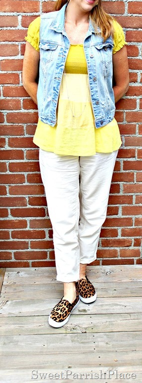 khaki-pants-yellow-top-denim-vest4