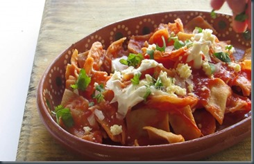 Servir-los-Chilaquiles-770x460