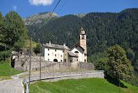 Von Locarno hoch in das Sacktal Valle Maggia.
