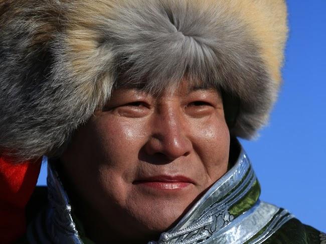 24 photos - Mongolia_camel_polo_by_rick_matthews-20