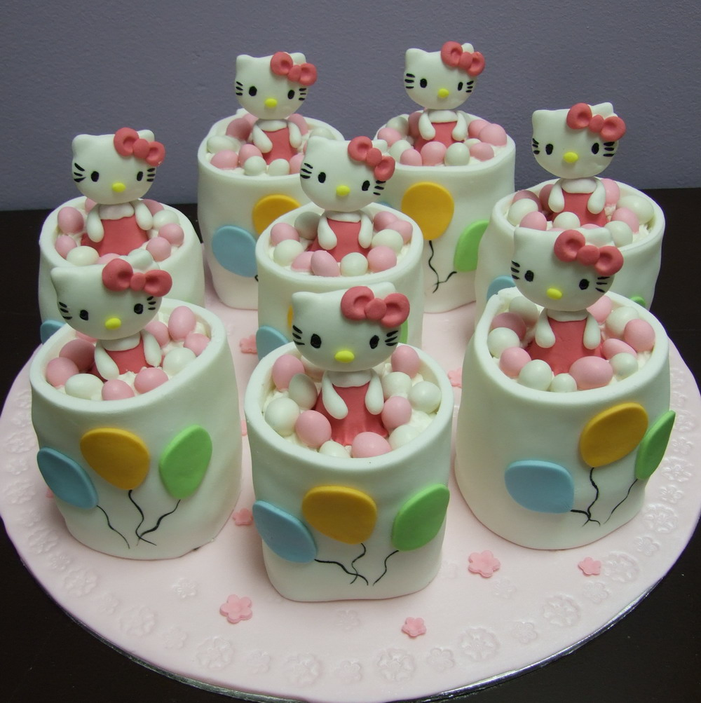 best hello kitty cakes