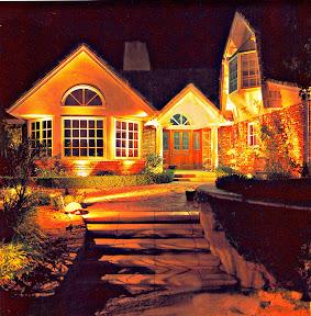 Landscapelighting for theSanJuanCapistrano home. www.oclights.com