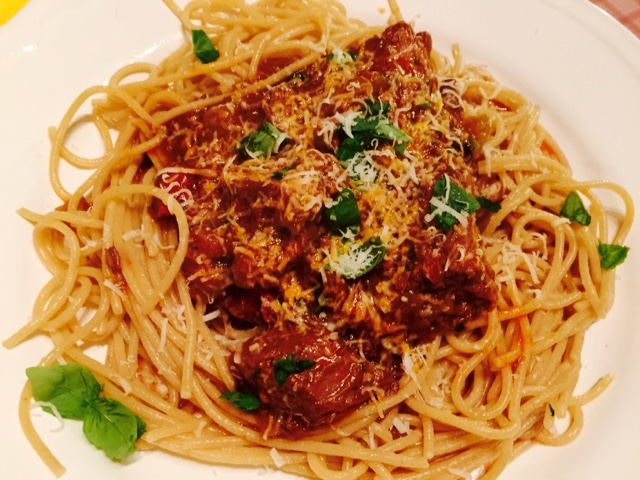 Pasta bolognese with whole beef