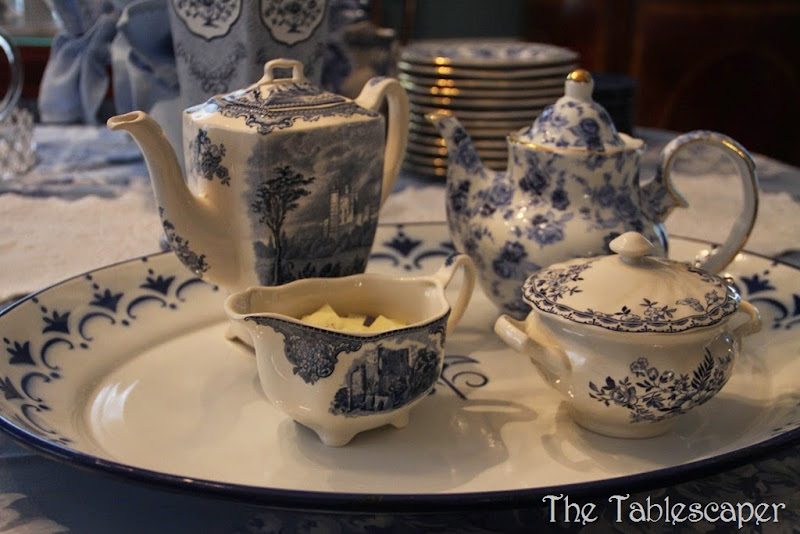 blue table & grey plaid pitchers 088