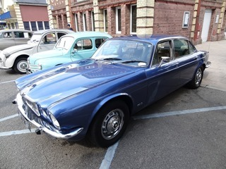 2015.08.16-01-009-Jaguar-XJ6-1975_th