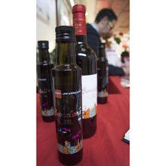 Olive oil and wine labels printed on the Nilpeter FA-4* at the Open House in Barcelona