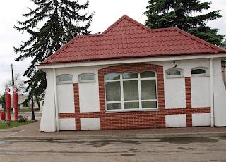Stacja paliw wybudowana w 1928r. i do tej pory czynna.