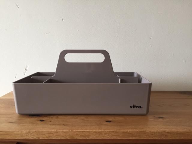 『Vitra ツールボックス 無印キャリーボックスと比較してみた件』