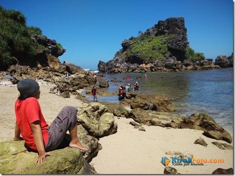 Pantai Nglambor Kisah Foto Blog04