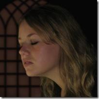 woman-praying 200x200 75pc