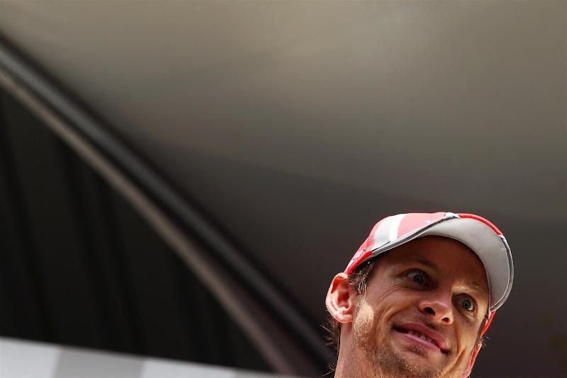 удивленный Дженсон Баттон на Гран-при Бельгии 2012