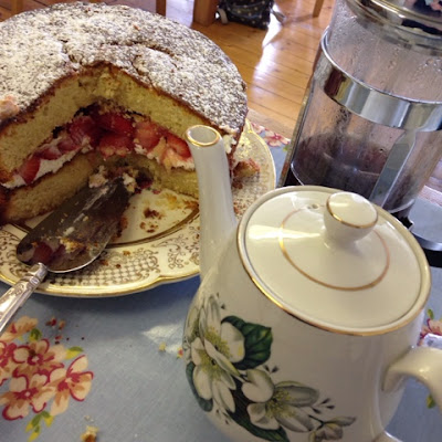 Tea, coffee and cake at rebeccamaryjane's workshops