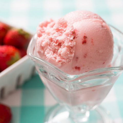 The Best Strawberry Ice Cream