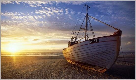 Boat-on-dry_www.FullHDWpp.com_