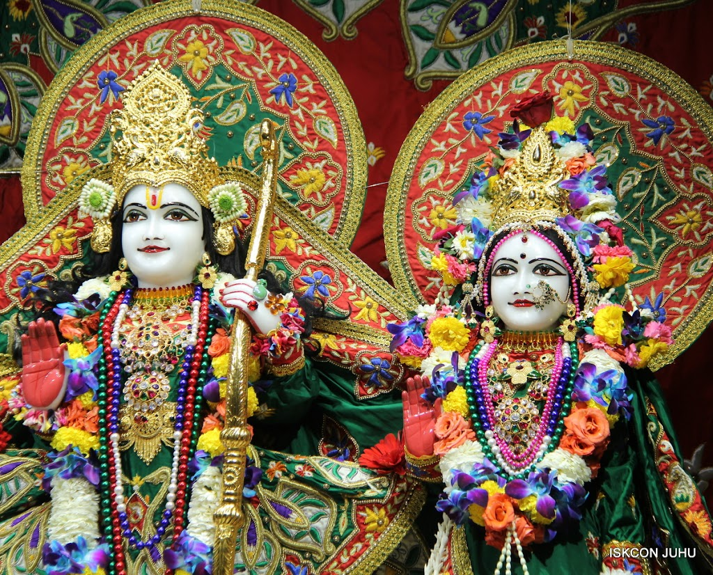 ISKCON Juhu Sringar Deity Darshan 09 Feb 16 (20)