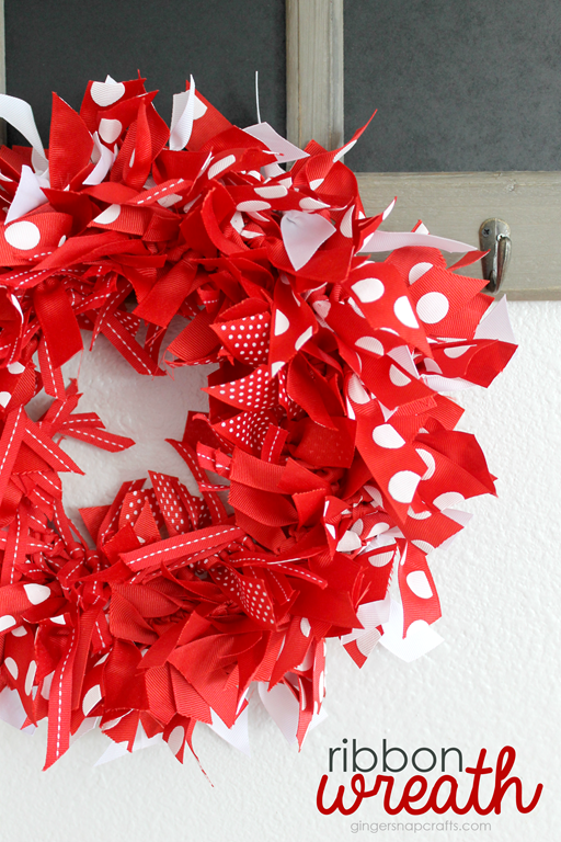 Ribbon-Wreath-with-Offray.com-at-Gin[2]