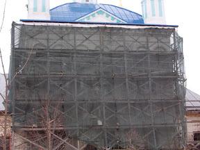 Фасадные работы отложены до весны (понижение температуры).