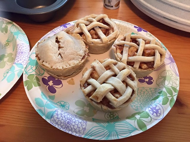 katelin quick - mini apple pies