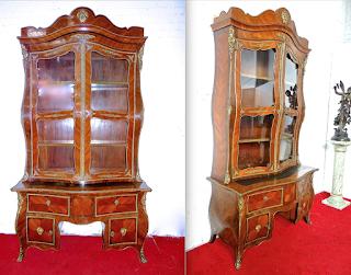 Очень красивый письменный кабинет. 19-й век. Палисандр, маркетри, резная бронза, выдвижные ящики, дверки. Выдвижной столик для письма. 130/60/245 см. 10000 евро.