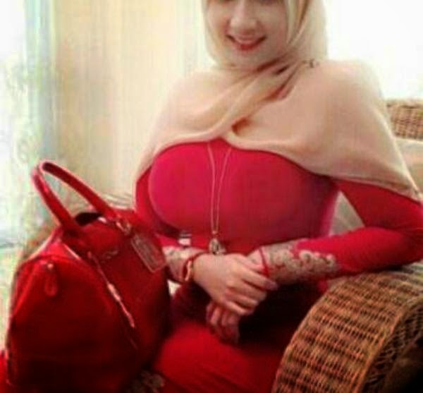 Foto Bugil Montok Gadis Berjilbab